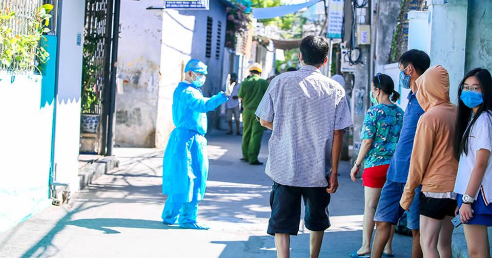 nhieu-dia-phuong-co-the-xuat-hien-ca-covid-19-moi-chuyen-gia-khuyen-nghi-nguoi-dan-han-che-ra-duong1596005933